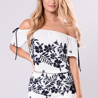 Dream Getaway Top - White/Navy