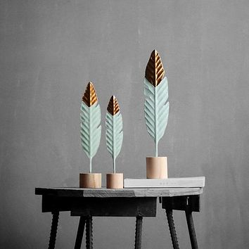 Modern Feather Wooden Miniature Figurines