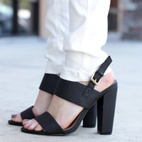 Strappy Heel – Black