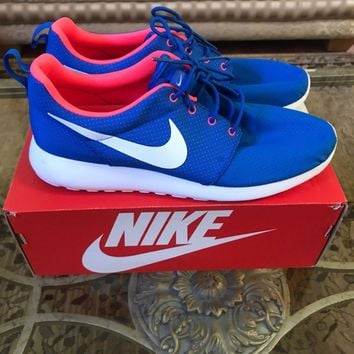 Men's Nike Roshe Run Size 12 Blue/Pink Amazing Condition, only worn once!