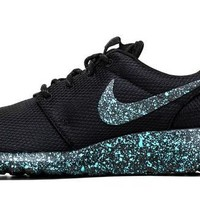 CLEARANCE - Nike Roshe One + Speckled Paint - Mint Oreo - Size M10 = W11.5