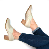 Minimal Off White Leather Booties Slip On Leather Shoes Vintage 90s Leather Mules Cream Ankle Booties Pumps Boho Hipster Womens size 8