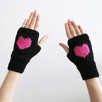 Hand Knit Fingerless Gloves in Black - Orchid Pink Embroidered Heart - Black Seamless Knit Gloves - Wool Blend - made to order