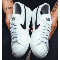 Nike Tennis Classic White and Black  Urban Outfitters I-FEU-SY