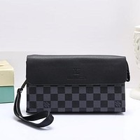 Perfect Louis Vuitton Women Fashion Leather Clutch Bag Wristlet Handbag