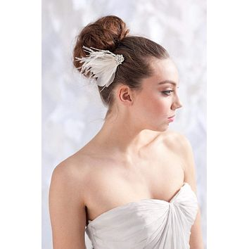 Feather bridal headpiece fascinator- style 1109