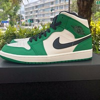 Air Jordan 1 Mid'Pine Green' sneakers basketball shoes