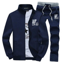 2016 new men standing collar fashion leisure suits / Men of letters embroidery leisure hoodies / Men jacket + sweatpants