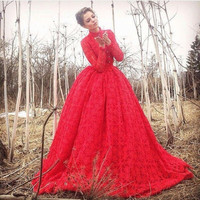 2017 Red Lace Evening Dresses  Ball Gown High Neck Long Sleeves Party Prom Gowns Floor Length New Arrival Elegant