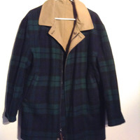 Reversible Pendleton Coat Jacket. Gorgeous Wool Green plaid and heavy cotton Gaberdine. Size Medium. Made in USA. New old stock. Vintage