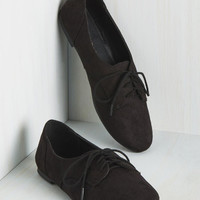 Classic Character Flat in Black