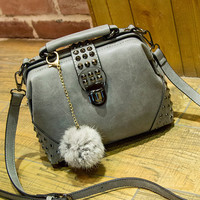 Leather Shoulder Bag Female Casual Crossbody Bag Women Messenger Bags Chic Handbag +Free Necklace