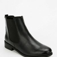BDG Classic Chelsea Ankle Boot - Urban Outfitters