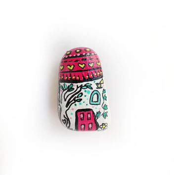 Stone house pin in red and white handpainted stone