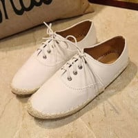 Wild Hemp Flat Lace Casual White Shoes