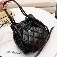 Balenciaga New fashion leather shoulder bag crossbody bag bucket bag Black