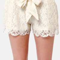 Side of Scallops Cream Lace Shorts