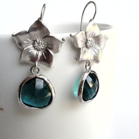Earrings rhodium plated flowers with emerald crystal glass, wedding, valentine's, mother's day, bridal gift