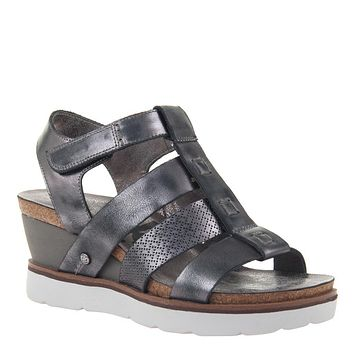 OTBT - NEW MOON in NEW BLACK Wedge Sandals