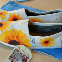 SALE, orig. 93, now 79, Sunflower TOMS, size 8.5 available