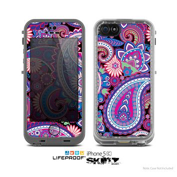 The Vibrant Purple Paisley V5 Skin for the Apple iPhone 5c LifeProof Case