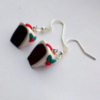 Christmas Cake Earrings-Chrismtas earrings- festive jewellery-womens earrings-polymer clay-dailyetsysales