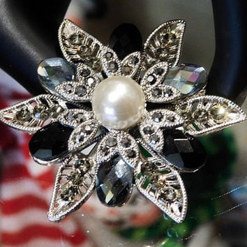 Rhinestone Brooch Pin Pendant Faux Pearl Marcasites Flower Snowflake Vintage Brooch Christmas Wedding Bride Bridal Holiday New Year Eve
