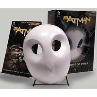 Batman Court of Owls Mask and Book Set Graphic Novel, More Humor by Random House