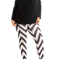 Women's Plus Size Black And White Zig Zag Print Length Leggings