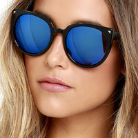 Weekly Wind Down Black and Blue Mirrored Sunglasses
