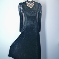 Vintage Goth Black Velvet Dress Lace Insert and Sleeve Size Small