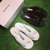 Fashion Balenciaga Knotted Satin Slides Black Ivory white flip flop slipper
