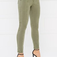 Center Stage Pant - Light Olive