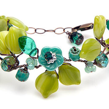 Green and Turquoise Flower Bracelet, Beaded Bracelet, Nature Jewelry, Mothers Day Gift