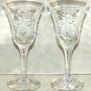 "Vintage Pair of Royal Brierley Fuchsia Pattern Crystal Cut Glass 6 1/2"" Tall Small Wine Glasses (ref: SA102)"