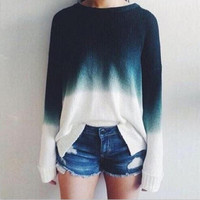 The round neck long sleeve discoloration Women sweater