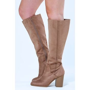 Walking Towards You Boots: Taupe