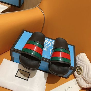 GUCCI Red and green G slippers