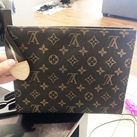 Louis Vuitton LV RetroWomen Makeup Bags Men's Business Bag Classic Leisure Handbag Clutch Bag