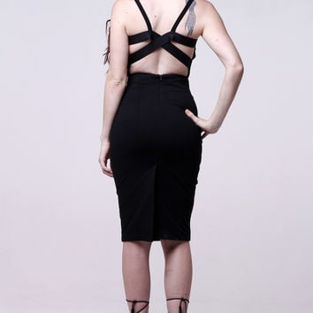 (alr) Strappy open back cropped black top