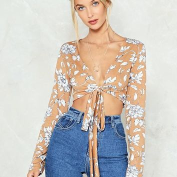 Knot Possible Floral Crop Top
