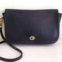 Handpicked vintage bags, clothes, shoes and accessories by BlastFromThePastBags