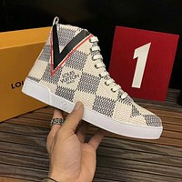 LV Louis Vuitton 2018 new men's wild casual high-top sneakers White
