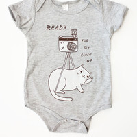 """Camera Cat Onesuit - """"Ready For My Close Up"""" Baby Clothing (Grey)"""