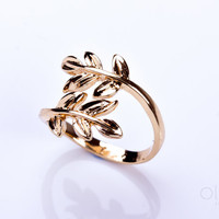 "Laurel leaf ring, gold leaf ring, unique ring, adjustable ring, stretch ring, cool ring, knuckle ring, men ring, gold ring, ""Sithnides"""