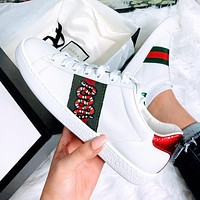 Gucci Fashion Women Men Flat Shoes Small white shoes Small Bee Shoes Snake Embroidery