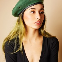 Military Stud Beret (Hunter Green)