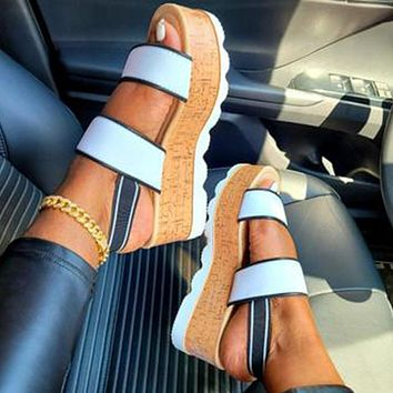 New casual fashion large size thick-soled round toe mid-heel buckle sandals