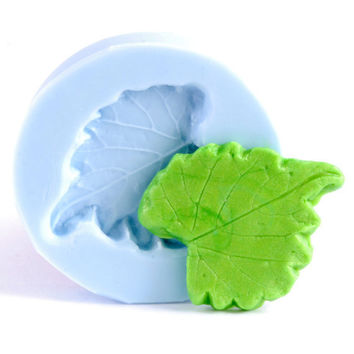 Leaf mold for resin jewely, polymer clays, metal clays, glass, paper flexible silicone mold is easy to use. (203)