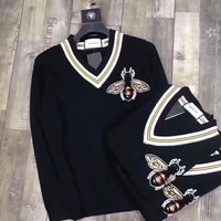 GUCCI : Women Embroidery Little bee V-Neck Sweater